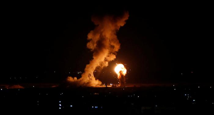 الطائرات الإسرائيلية تقصف مكتب المخابرات العسكرية التابع لحركة حماس (فيديو)