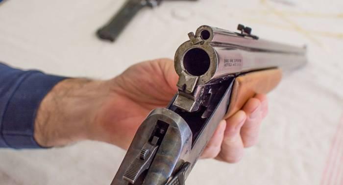 Bakıda silahlı insident: Yaralı var