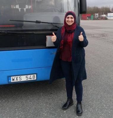 """İsveçdə avtobus sürən azərbaycanlı qadın: """"Yaxşı maaş olsa, gələrəm"""""""