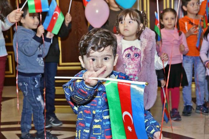 Dövlət Miqrasiya Xidmətində uşaqlarla görüş - FOTOLAR