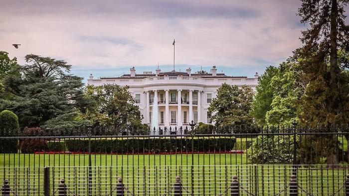إعلام أمريكي: ترامب يعتزم إقالة وزير التجارة