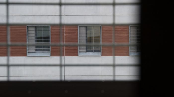 Sträfling wird Autor hinter Gittern - Staat fordert Honorar ein
