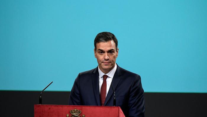 """España: El Gobierno anuncia que los ciudadanos no pagarán """"nunca más"""" el impuesto hipotecario"""