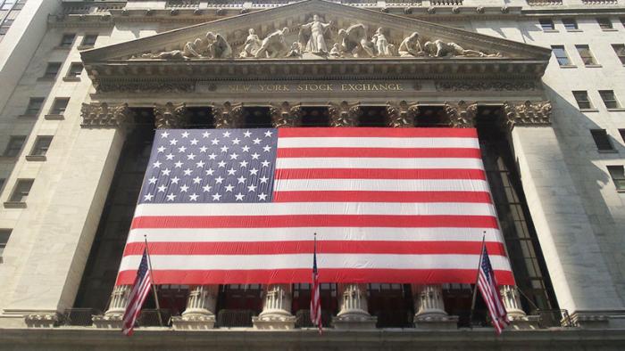 Wall Street se desploma con fuerte baja del Dow Jones y el Nasdaq