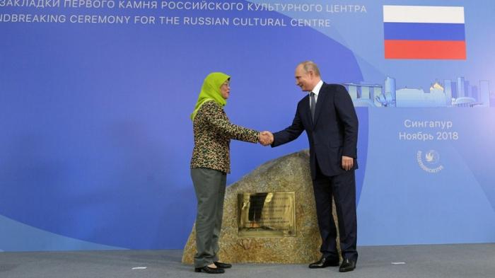 Putin legt in Singapur Grundstein des russischen Kulturzentrums
