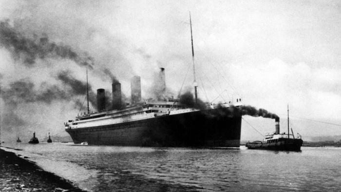 Subastan el espejo del capitán del Titanic