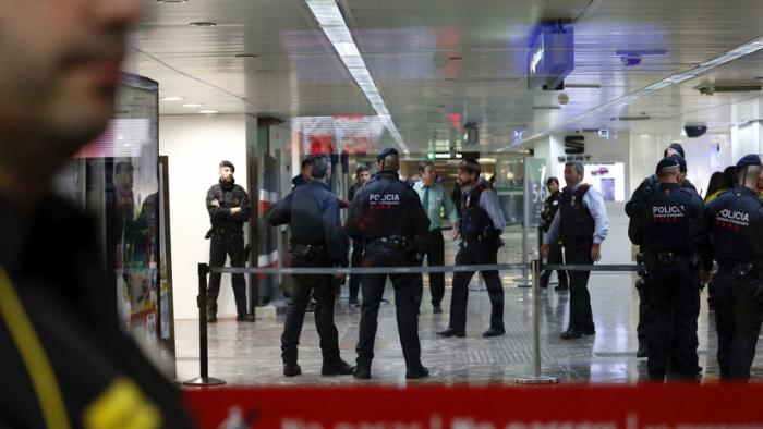 España: Al menos un muerto y varios heridos por el descarrilamiento de un tren en Cataluña