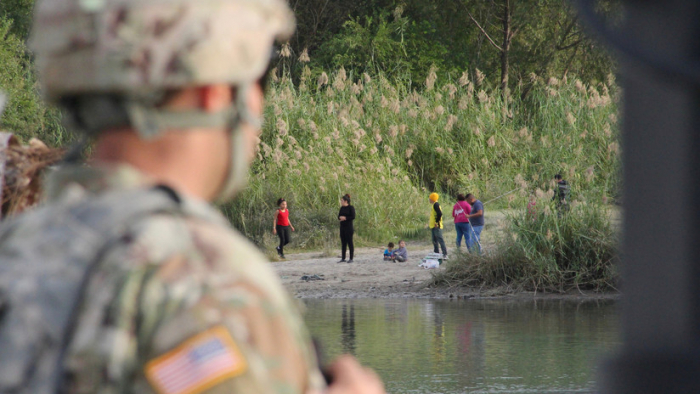 El Pentágono revela cuántos días más permanecerán sus tropas en la frontera con México