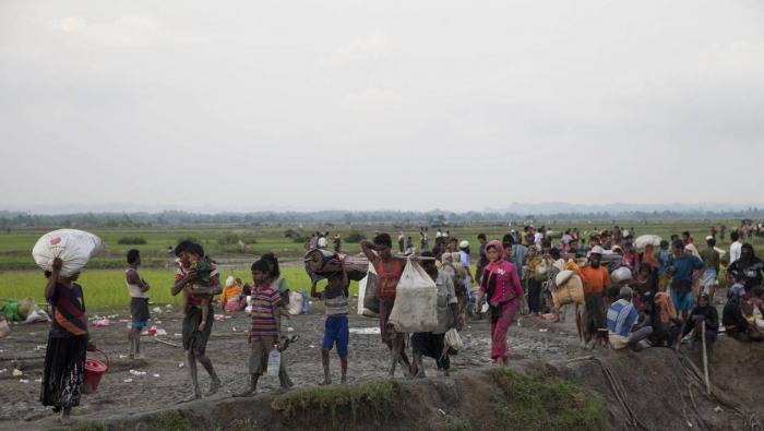 Birmanie: une centaine de Rohingyas interpellés en mer