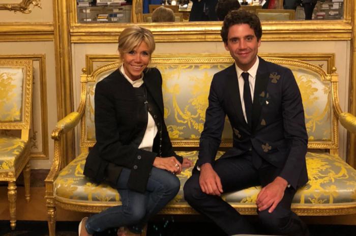 Brigitte Macron et le chanteur Mika s