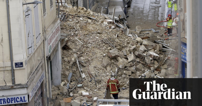 Marseille building collapse: rescuers search for 10 missing