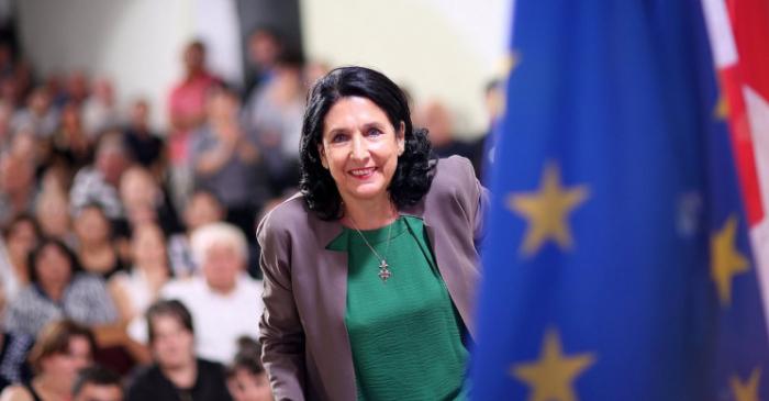 Fransadan Zurabişviliyə siyasi dəstək