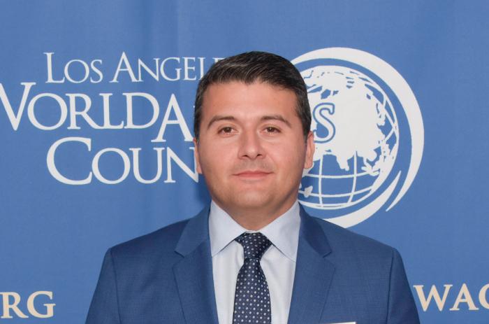 Cónsul General de Azerbaiyán en Los Ángeles se compromete a luchar contra el antisemitismo