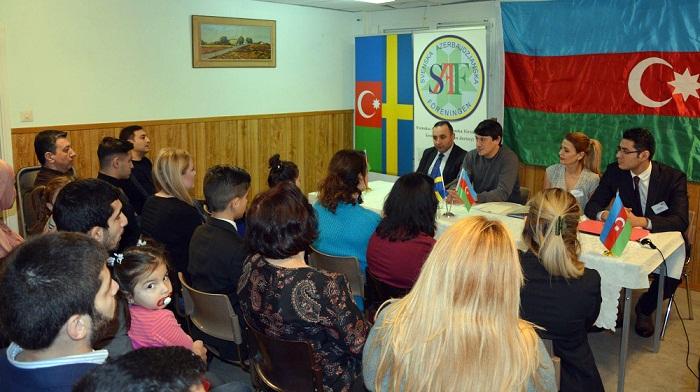 Fuad Muradov isveçdəki azərbaycanlılarla görüşüb