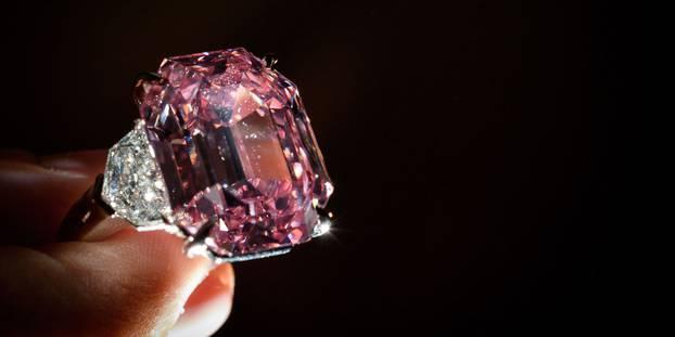 Un diamant rose adjugé plus de 44 millions d