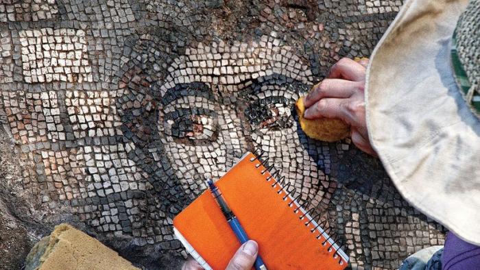FOTO: El sorprendente descubrimiento bíblico en un mosaico de una sinagoga del siglo V
