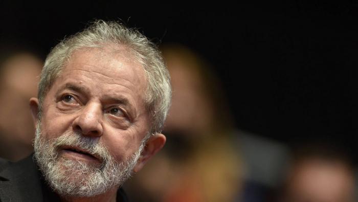 Brésil: Lula sort de prison pour un interrogatoire