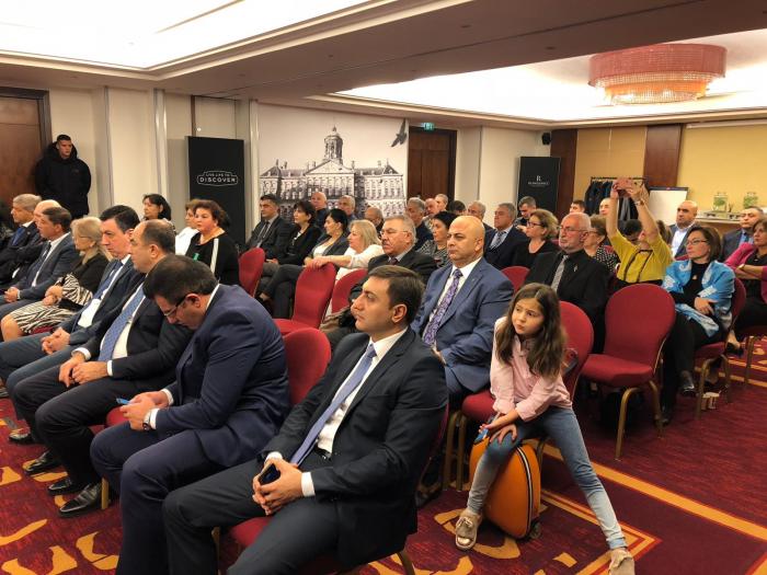 Fuad Muradov Avropadakı azərbaycanlıları bir araya topladı