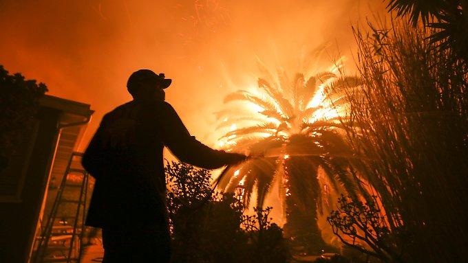 Über 20 Menschen sterben bei Bränden