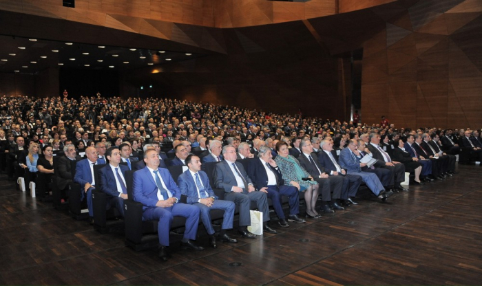 Azerbaijani teachers' 15th congress gets underway at Baku Convention Center