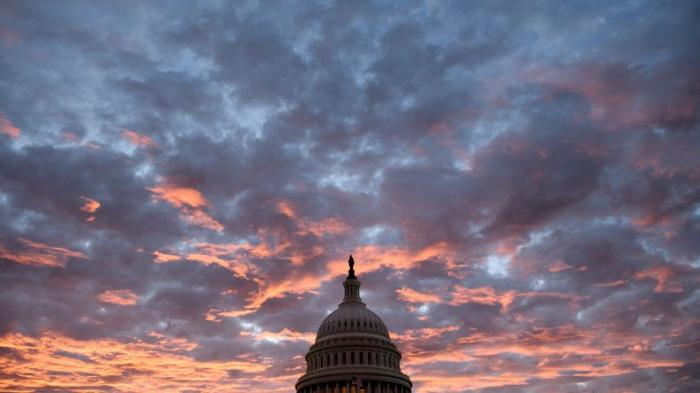 Demokraten erobern Repräsentantenhaus - Republikaner verteidigen Senat