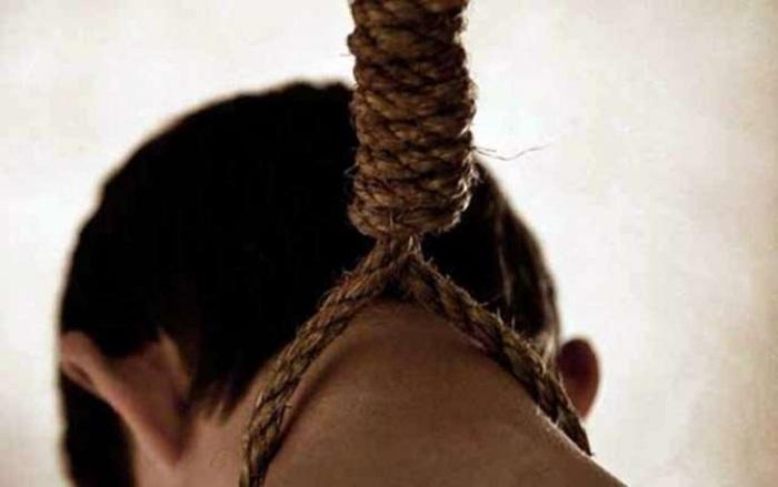 İsmayıllıda 22 yaşlı oğlan intihar edib