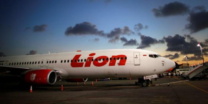 Lion Air crash: pilot on earlier flight asked to turn plane around