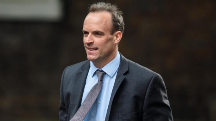 La livre britannique chute après la démission du ministre du Brexit