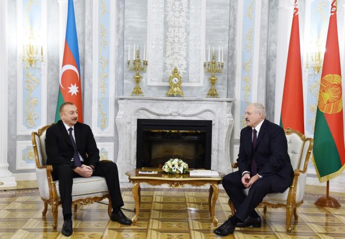 Ilham Aliyev invitó a Lukashenko a Azerbaiyán
