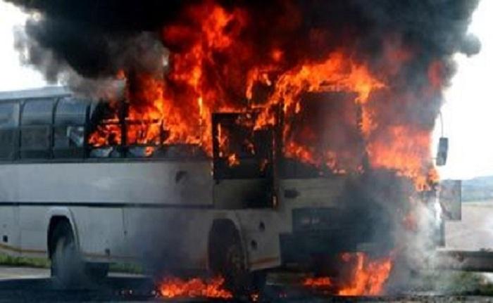Bakıda sərnişin avtobusu yanıb