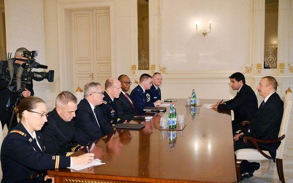 الجنرال الأمريكي في استقبال الرئيس إلهام علييف(تم التحديث)