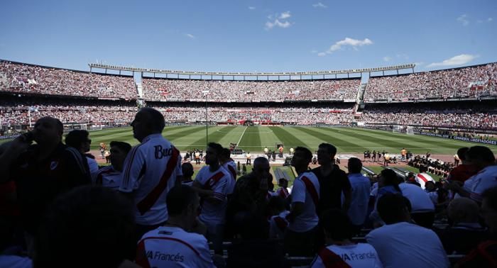 Suspenden la final de la Copa Libertadores entre River y Boca