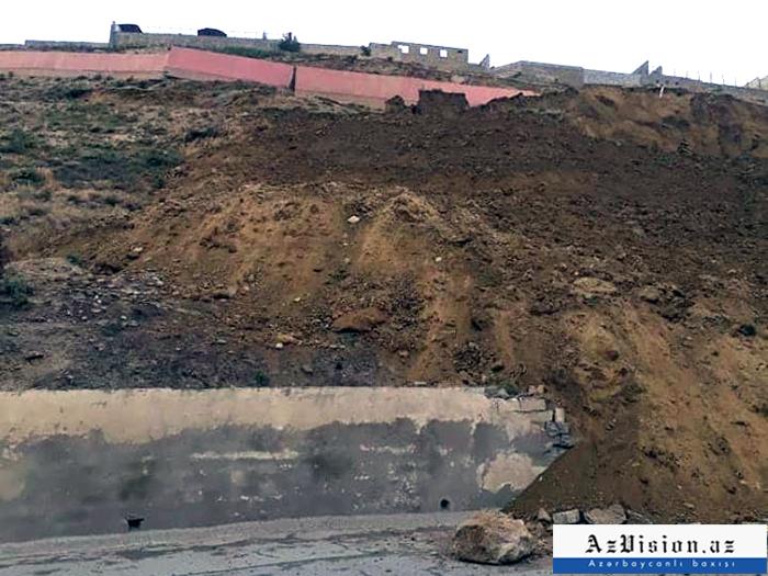 """""""Sürüşmə zonasındakı evlər bizlik deyil"""" - Nazirlik rəsmisi"""