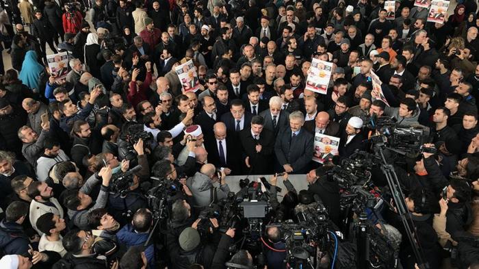 Müsəlmanlar Kaşoqi üçün cənazə namazı qıldı – VİDEO