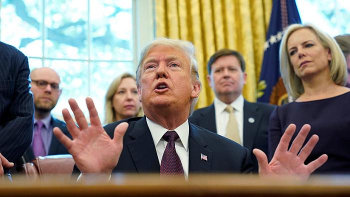 """Trump amenaza con imponer """"importantes aranceles"""" sobre productos de China si no llegan a un """"acuerdo real"""""""
