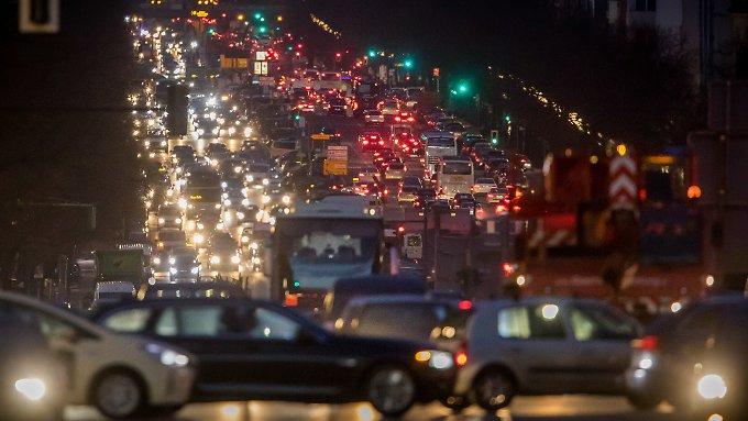 Kohlendioxid strömt verstärkt in Atmosphäre