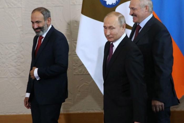 Putin KTMT-yə baş katib seçilməsini təxirə saldı
