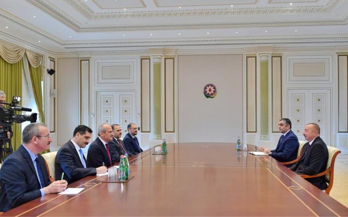 Präsident Ilham Aliyev empfängt türkische Delegation