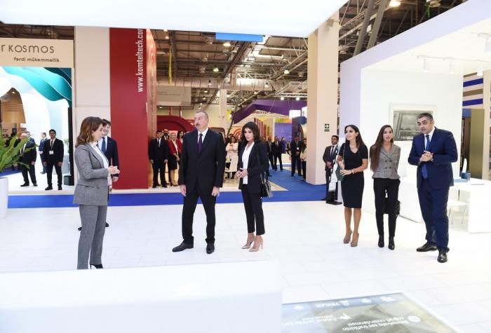 """Präsident Ilham Aliyev besucht Fachmesse """"Bakutel-2018"""""""