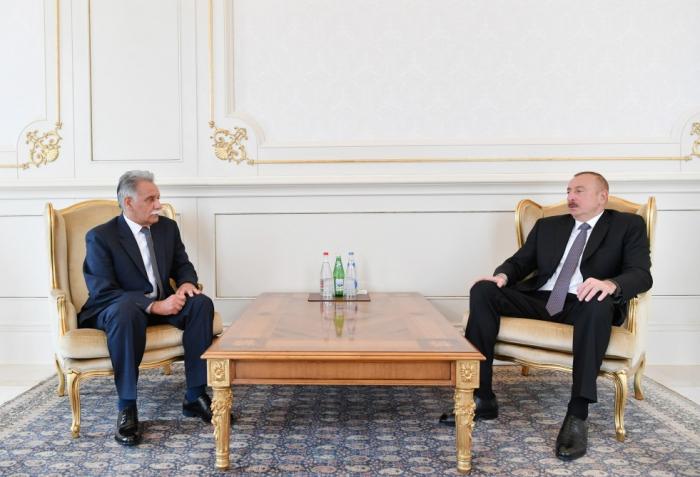 Präsident Aliyev empfängt Afghanistans Botschafter zur Entgegennahme seines Beglaubigungsschreibens