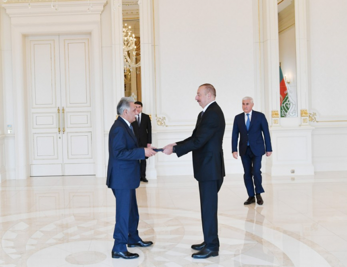 Le président azerbaïdjanais reçoit les lettres de créance de nouveaux ambassadeurs