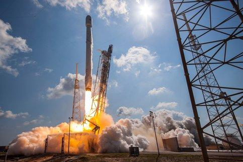 SpaceX launches biggest U.S.