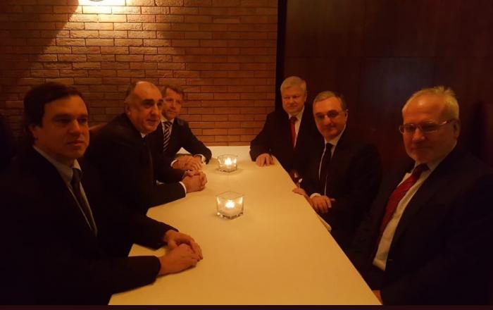 Cancilleres de Azerbaiyán y Armenia se reúnen en Milán
