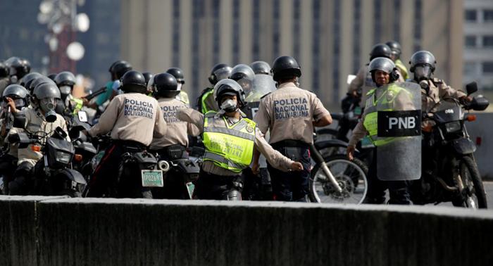 Casi un tercio de los 1.600 detenidos por extorsión y secuestro en Venezuela son policías