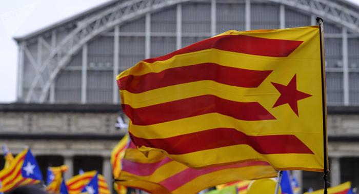 Un detenido y varios policías heridos en una manifestación por la Constitución en Cataluña