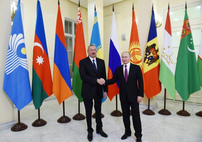 Le président Aliyev entame une visite de travail en Russie - PHOTOS