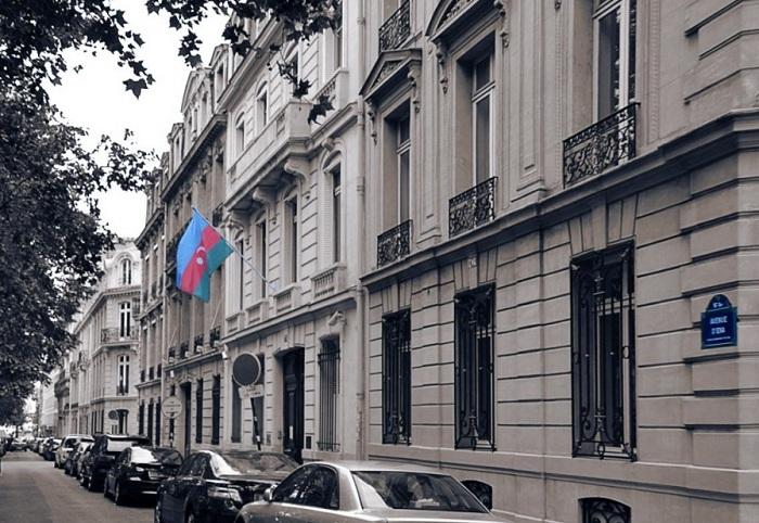 Fransadakı vəziyyətlə bağlı azərbaycanlılara müraciət edildi