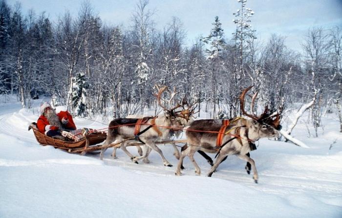 Was Santa Claus a real person?-iWONDER