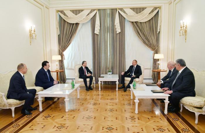 İlham Əliyev FIDE prezidenti ilə görüşüb - Yenilənib