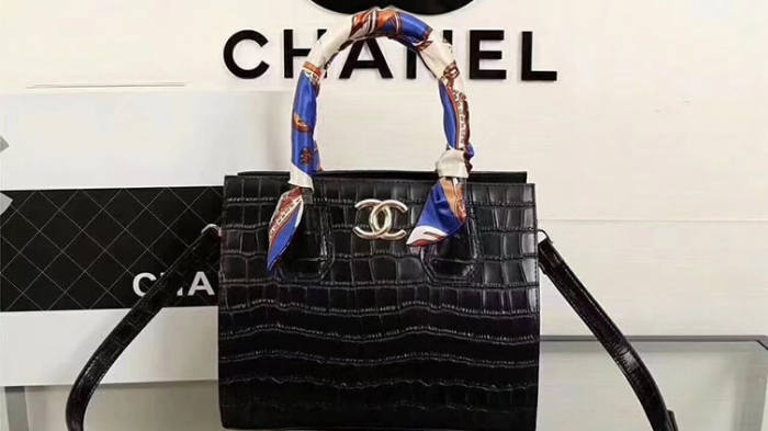 0c95253580ce Chanel bans fur and exotic animal skins from all its collections